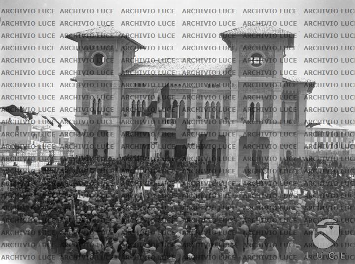 Risultati immagini per foto del municipio di avezzano
